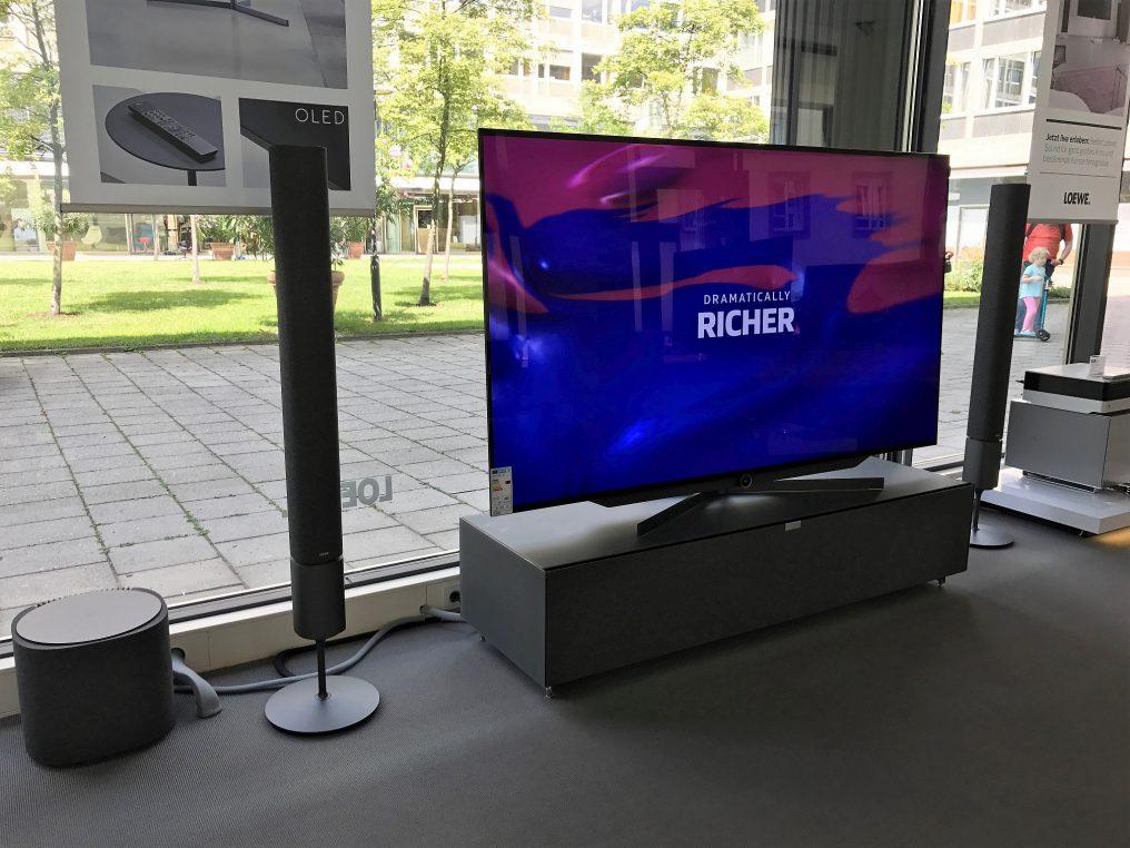 Eingetroffen! Der LOEWE bild 7.77 OLED TV