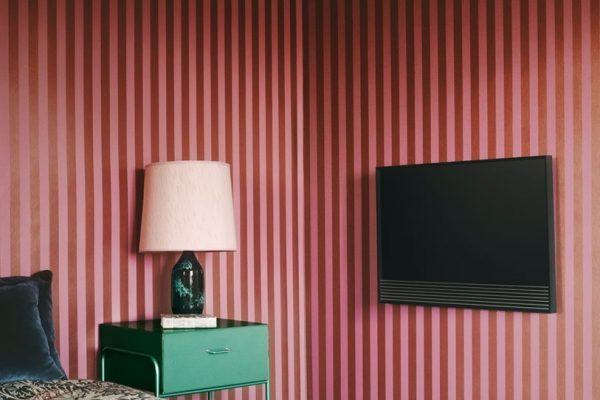 beovision-50-bang-and-olufsen-bedroom