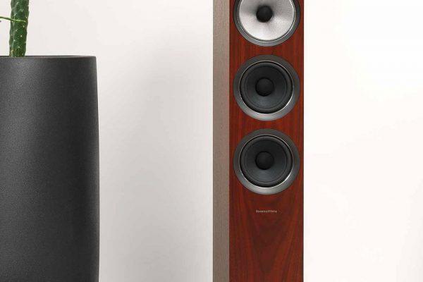 07-C-Speakers-704