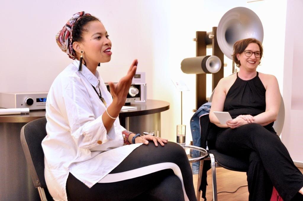 Interview: Blind gehört Live Golda Schultz