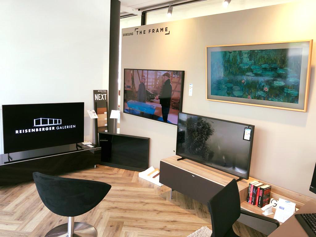 Kennen Sie den Samsung The Frame?  Fernsehen wenn er eingeschaltet ist und Kunst…